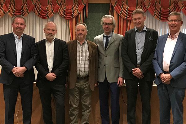 President Jan Janse (right) and fellow ETIM International Board Members